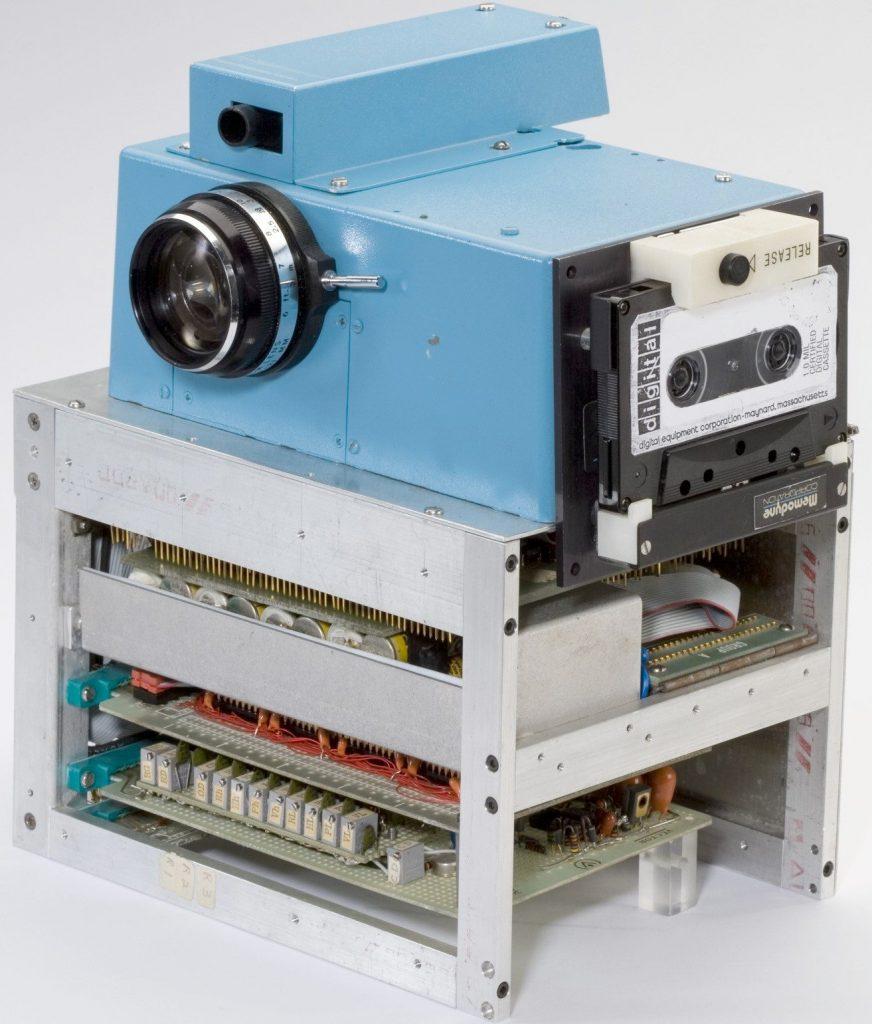 20150811-lens-sasson-slide-QS7V-superJumbo (1)