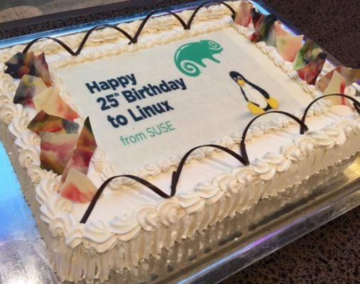 linux-oslavuje-25-rokov-torta